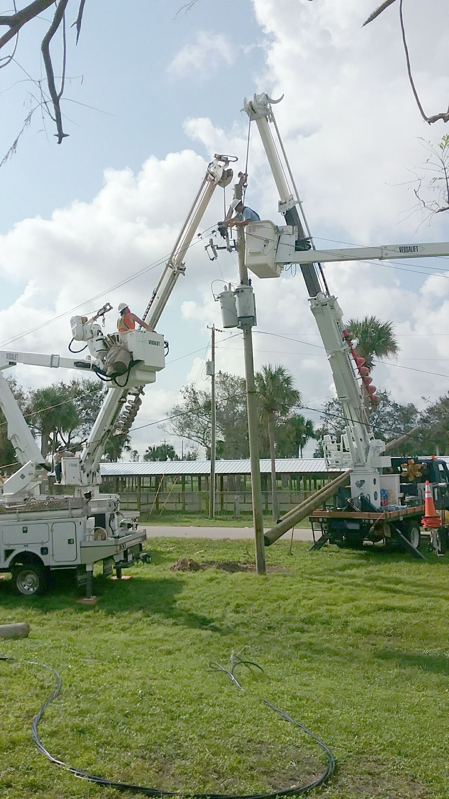 Resetting a pole with other trucks in Moore Haven