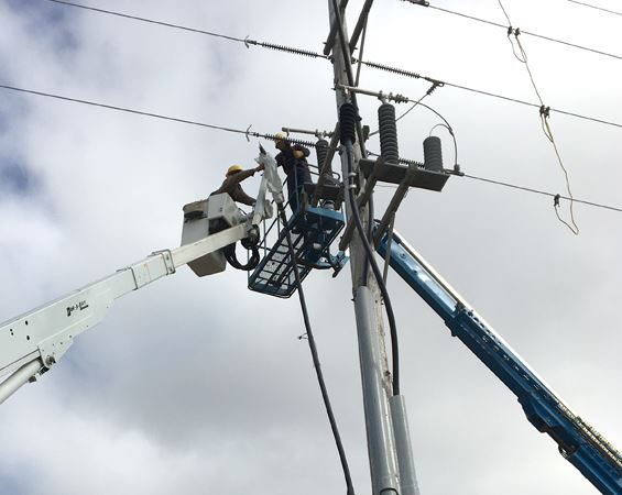 Electric work on aerial power lines